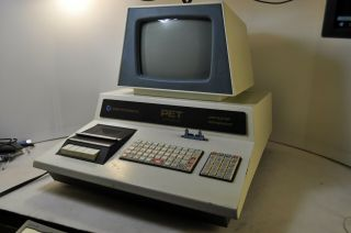 Vintage Commodore Pet 2001 - 8 Desktop Computer
