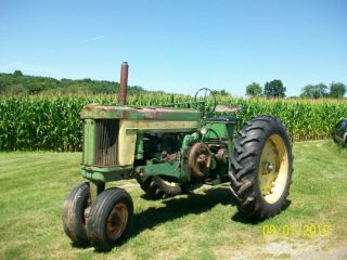 1957 John Deere 620 Antique Tractor 2