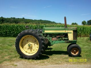 1957 John Deere 620 Antique Tractor 3