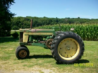 1957 John Deere 620 Antique Tractor 4