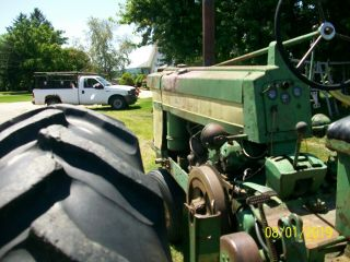 1957 John Deere 620 Antique Tractor 7