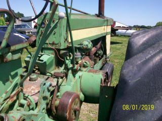 1957 John Deere 620 Antique Tractor 8