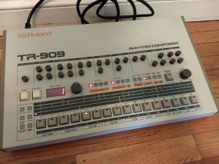 Vintage Roland Tr - 909 Rhythm Composer Analog Drum Machine As - Is