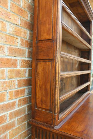 ANTIQUE EARLY 19TH C FRENCH COUNTRY WALNUT CUPBOARD CABINET VAISSELIER HUTCH 12
