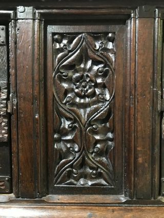 16th century oak cupboard 5