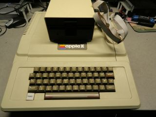Vintage Apple Ii Personal Computer A2s0032 With Floppy Drive Needs Repairs