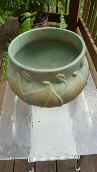 RARE HUGE ARTS & CRAFTS EARLY VELMOSS ROSEVILLE JARDINIERE GREEN TAN 577 - 9 WOW 3