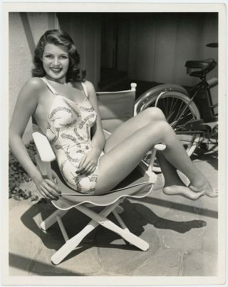 Barefoot Bathing Beauty Rita Hayworth Vintage 1940 Pin - Up Glamour Photograph