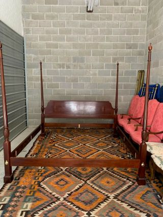 Baker King Size Mahogany Chippendale Style 4 Poster Bed