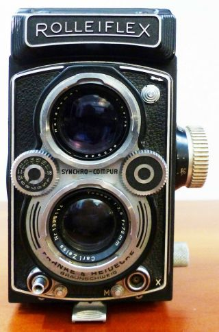 Vintage Rolleiflex Camera With Zeiss Tessar 3.  5/75mm Lens And Box