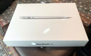 "Apple Macbook Air 13.  3 "" Md760ll/a 1.  7ghz Core I7 4gb 128gb Ssd Rare"
