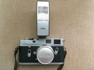 Leica M4 35mm Range Finder Film Camera with Leitz Summicron Lens 6