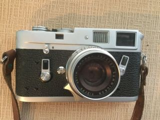 Leica M4 35mm Range Finder Film Camera with Leitz Summicron Lens 9