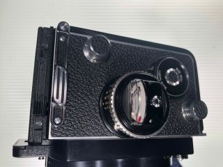 Rolleiflex 3.  5f TLR Camera Zeiss f3.  5 Planar 75mm with Prism and 10