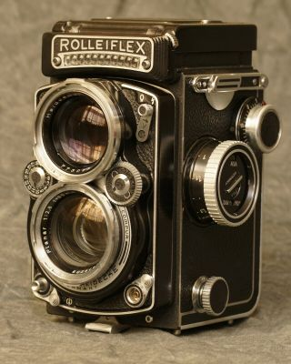 Rollei Rolleiflex 2.  8e Tlr Camera With Zeiss Planar Lens/ Cla By Harry Fleenor