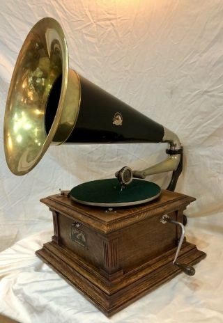 1907 Victor Iii Phonograph,  W/brass Horn &