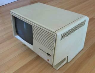 Rare Apple Lisa 2/5 with Keyboard and Mouse,  very 2