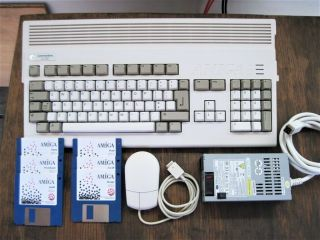"Commodore Amiga 1200 Ntsc With 3.  1 Rom,  2mb Chip Ram,  "" Mouse & 117v Ps """