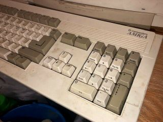 Amiga 4000/040 commodore with Video Toaster software 2