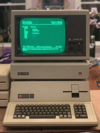 Magnificent 256K Apple III,  5Mb Profile HD,  2 Drives,  Software,  Monitor 2