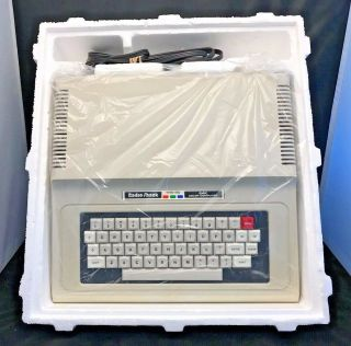 Tandy Radio Shack Trs - 80 64k Color Computer 2 (coco 2) W/ Adapter