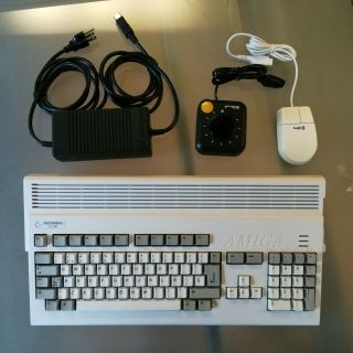 Amiga 1200 - Recapped - 4gb Cf - Ks3.  1 - 2mb/aga - Español (es) Keyboard