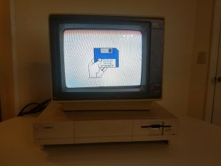 Amiga 1000 Includes Nec Monitor