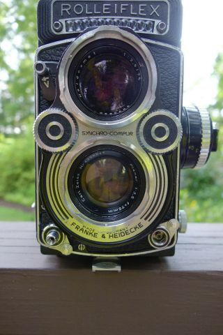 Rolleiflex 3.  5f Tlr Camera - Model 3 Or 4 (© 1965) With Zeiss F3.  5 Planar 75mm