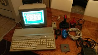 Atari 1040 St Computer & Sc1224 Monitor,  Loads Of Software,  Manuals & Joysticks