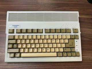 "Commodore Amiga 600 Rom 3.  1 "" Mouse,  Joystick & 220v Power Supply """