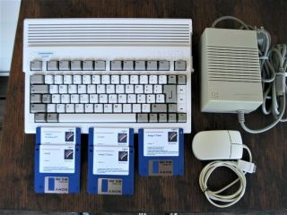 "Commodore Amiga 600 Ntsc,  2.  05 Rom,  Hd,  2mb Chip Ram "" Mouse & 117v Power Supply """