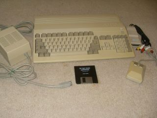 Amiga 500 Commodore Computer A500 With Power Supply Mouse A520