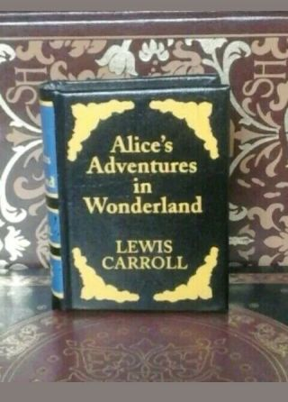 Alice In Wonderland Lewis Carroll Del Prado Book Miniature Classics Library.
