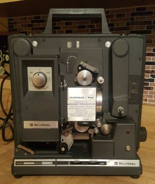 Bell& Howell Model 1574 Filmosound 16mm Film Projector & Carrying Case