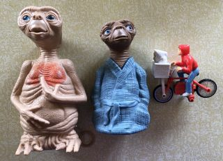 Vintage 1982 E.  T & Elliott Bicycle Toy Univ Studios Talking E.  T Avon Bubble Bath