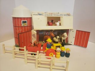 Vintage 17 Pc Fisher Price Play Family Farm Silo Barn Animals Little People 913