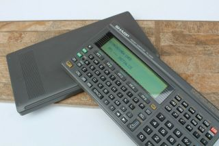 Vintage Sharp Pc - E500 Pocket Computer Scientific And Formulas Rare