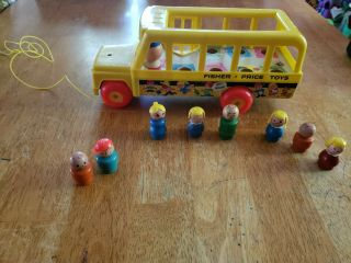 Vintage Fisher - Price Little People School Bus Pull Toy With 7 Wooden People