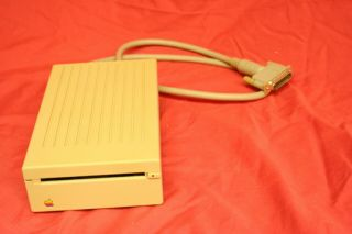 """Apple External 3.  5 """" 800k Disk Drive Model A9m0106 And"""