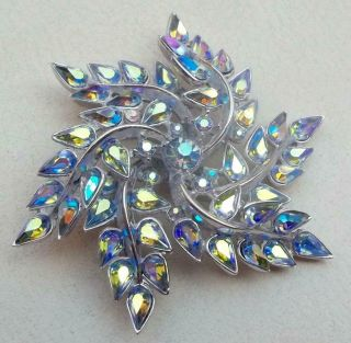 Trifari Vintage Brooch Pretty Powder Blue Aurora Borealis Rhinestone Star