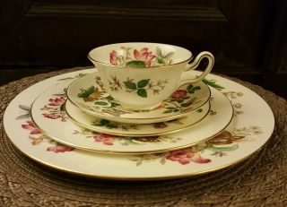 Vintage Charnwood By Wedgwood Fine Bone China Dinnerware 5 Piece Place Setting