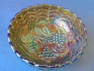 Vintage Imperial Grape Carnival Glass Berry Bowl Helios Green Made 1967 - 1970