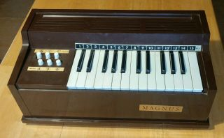 Vintage Magnus Model 300 Electric Chord Organ 25 Key Tabletop
