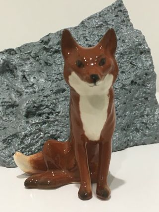 Vintage Beswick Fox Sitting – Red Brown And White Gloss - Model No.  1748