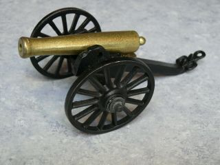"""Vintage Cast Iron Penncraft 651 Rolling Civil War 4.  5 """" Cannon On 3 """" Wheels"""