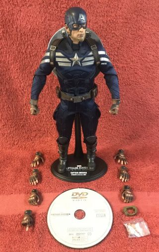 Hot Toys Mms243 Captain America Winter Soldier 1/6 Stealth Strike Suit,  Dvd