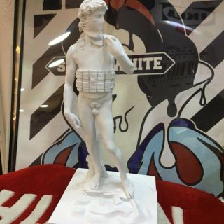 Graffiti Artist Banksy Suicide David Ceramics Art Statue Sculpture Figure Model