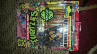 Teenage Mutant Ninja Turtles 25th Anniversary.  Donatello Bonus Dvd Figure