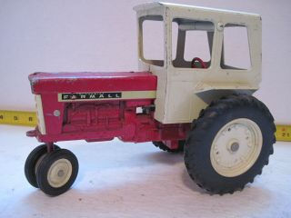 Vintage Ertl Farmall 560 International Harvester Tractor With Cab 1:16