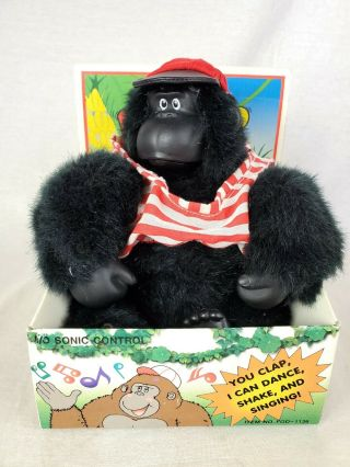 Vtg Magogo Gorilla Singing Dancing Macarena Clap Activated